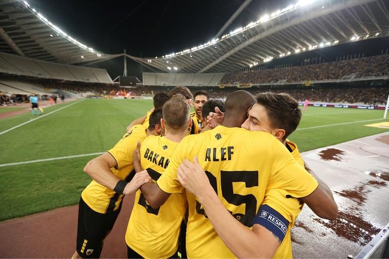 АЕК празднует гол в ворота «Селтика»
