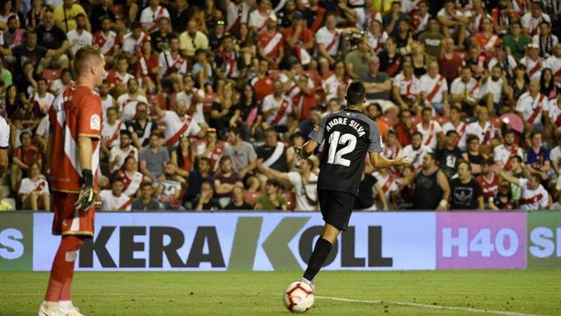 Андре Силва в матче против «Райо Вальекано»