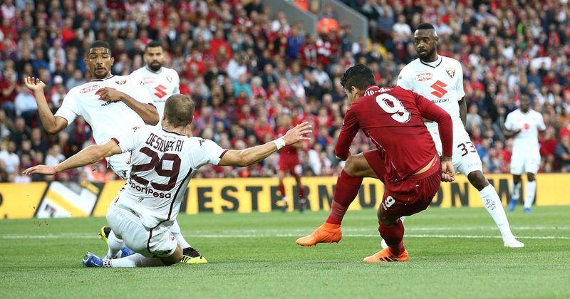 Роберто Фирмино забивает в ворота «Торино»