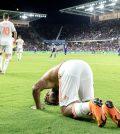 Джозеф Мартинес празднует гол в матче против «Орландо Сити»
