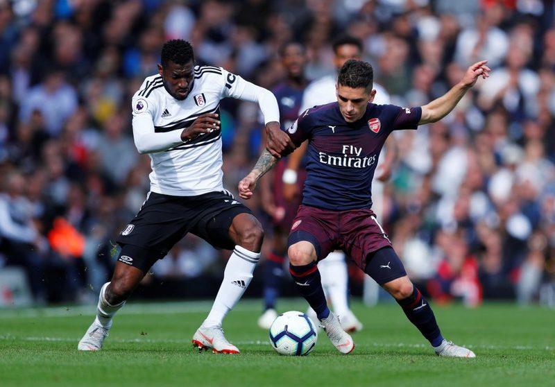 Лукас Торрейра против Сайруса Кристи в выездном матче «Арсенала» против «Фулхэма» (1:5)