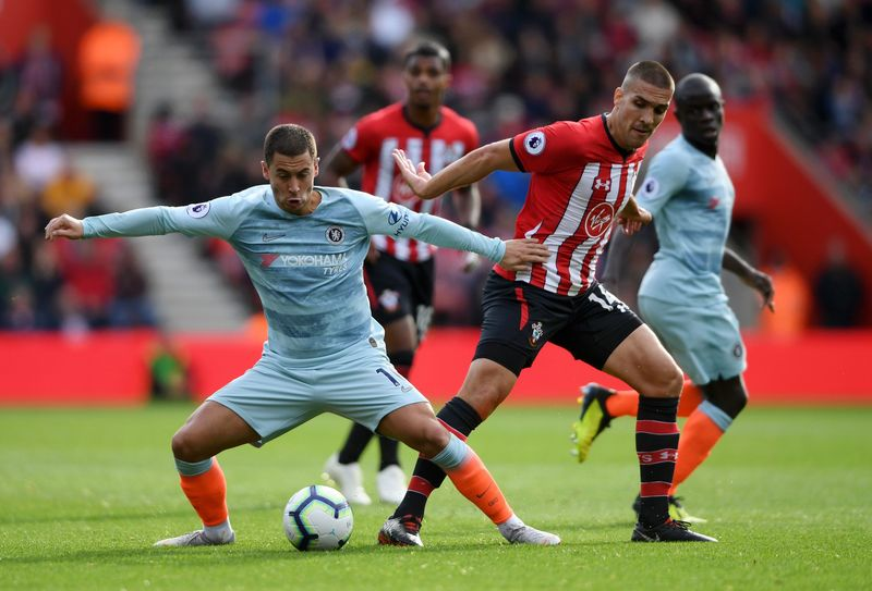 Эден Азар против Ориоля Ромеу в выездном матче «Челси» против «Саутгемптона» (0:3)