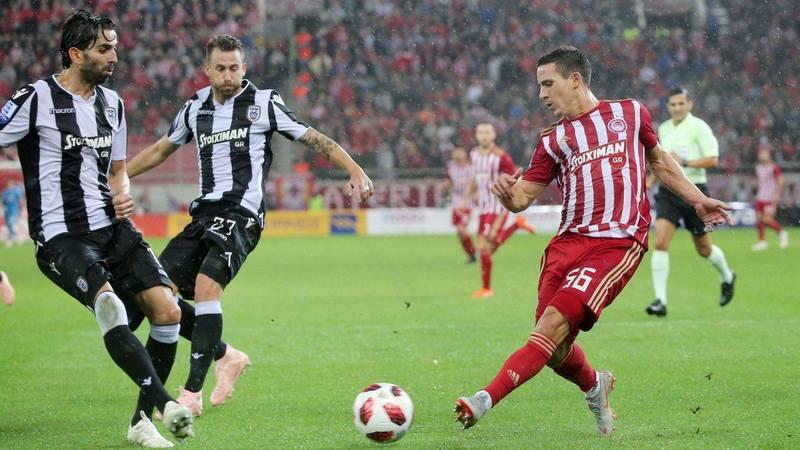 Даниэль Поденсе в домашнем матче против игроков ПАОК (0:1)