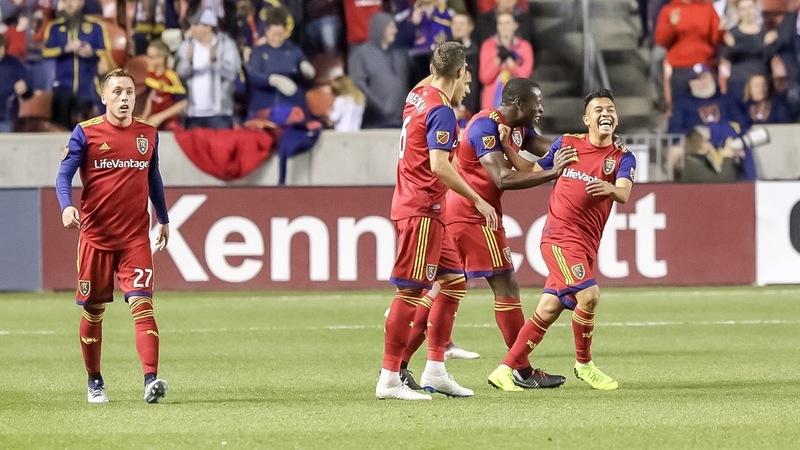 Игроки «Реала Солт-Лейк» празднуют гол в домашнем матче против «Нью-Ингленд Революшн» (4:1)