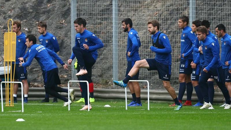 Игроки «Реал Сосьедада» на тренировке перед выездным матчем против «Атлетико Мадрида»