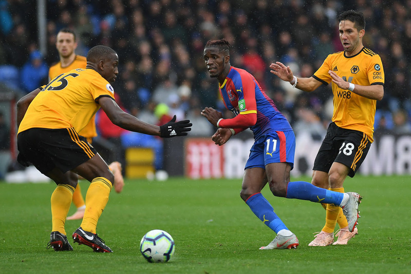 Уилфрид Заа в домашнем матче «Кристал Пэласа» против «Вулверхэмптон Уондерерс» (0:1)
