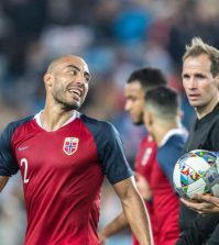 Хайтам Алеэсами в домашнем матче сборной Норвегии против Болгарии (1:0)