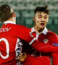 Игроки сборной Молдавии в выездном матче против Сан-Марино (0:1)
