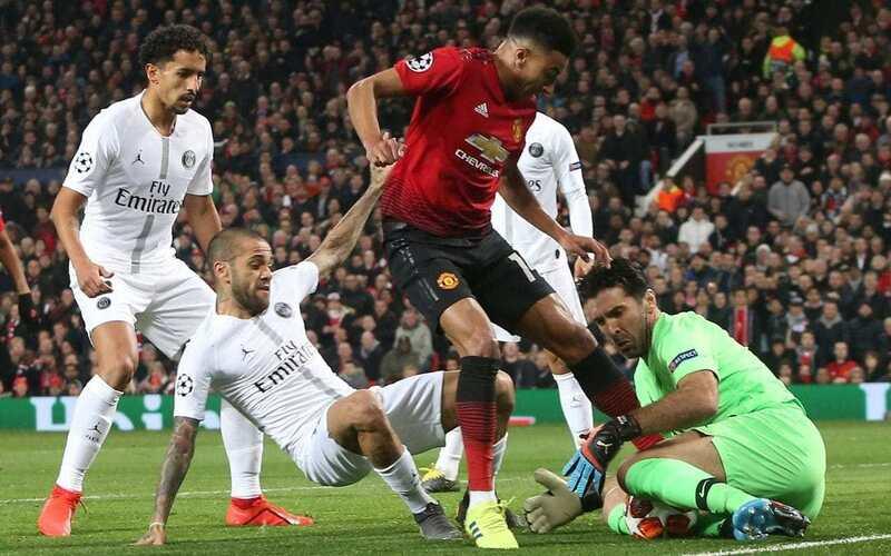 Фото с матча Манчестер Юнайтед 0:2 ПСЖ