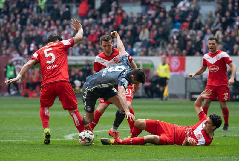 Фото с матча Фортуна 1:4 Бавария