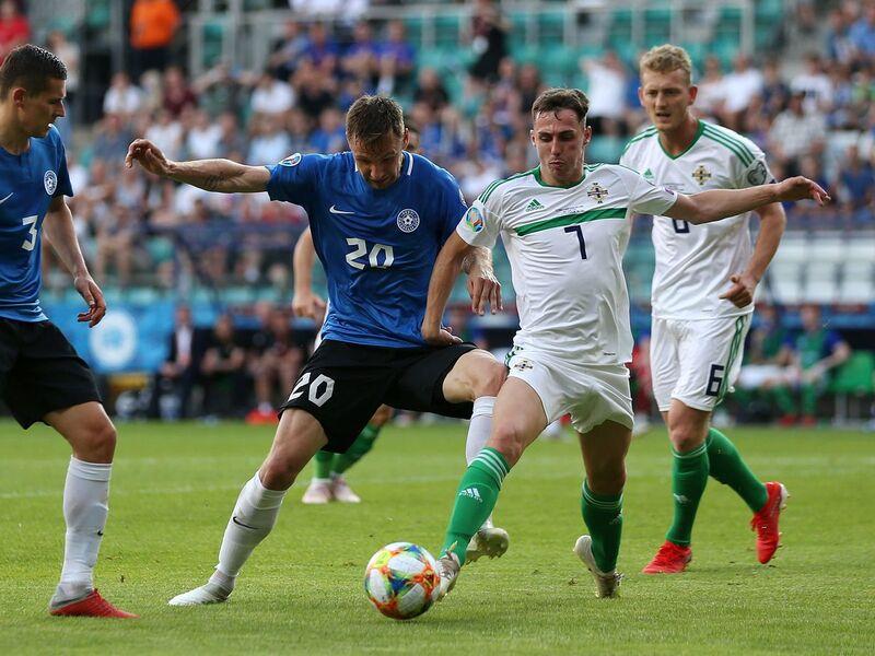 Фото с матча Эстония 1:2 Северная Ирландия