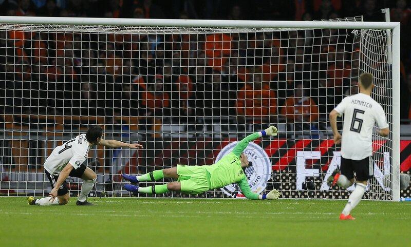 Фото с матча Нидерланды 2:3 Германия