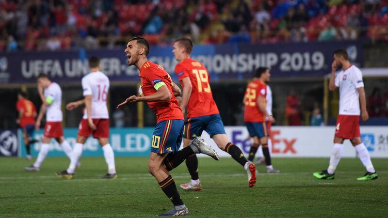 Фото с матча Испания 5:0 Польша (сборные до 21-го года)