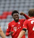 Фото с матча Бавария 5:2 Айнтрахт